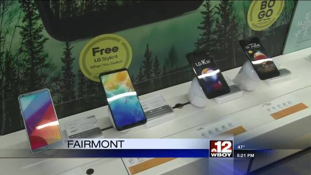 Boost Mobile cuts ribbon for first Fairmont location